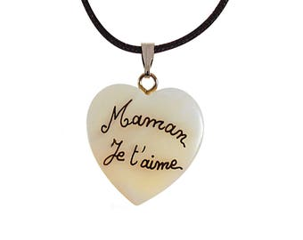 """Necklace personalized with """"MOM I love you"""" on mother of Pearl heart. Mother's day gift"""
