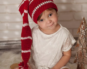 Christmas N hat, hand knitted red and white