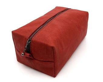Large Dopp kit, True Red, Italian high- quality leather, Groomsmen gift, Leather bag, Rustic leather, Dopp kit, Cosmetic bag,  Branding bag