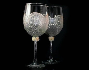Decorated Wine Glass Wedding Gift Etched Glassware Handpainted Flutes Custom Wine Glasses Couples Wine Glasses Stem Glass Engagament