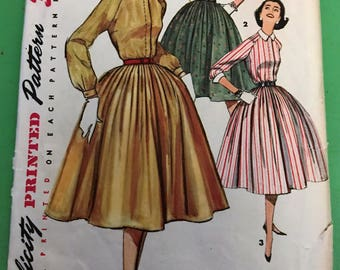 Vintage Sewing Pattern - 1956 Simplicity 1683 Dress with collar