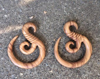 0g Fish Hook Wooden Hangers