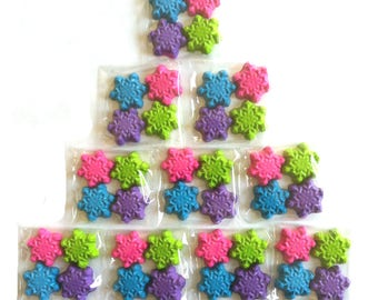 40  Snowflake Crayons - Birthday Party Favors - 10 Sets of 4 Crayons - Frozen Party Favors