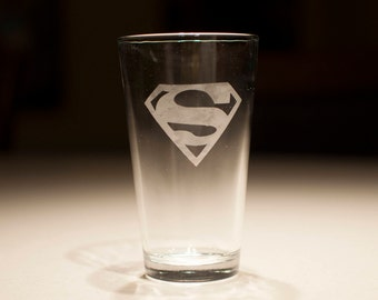 Superman DC Comics Superhero Etched Pint Glass