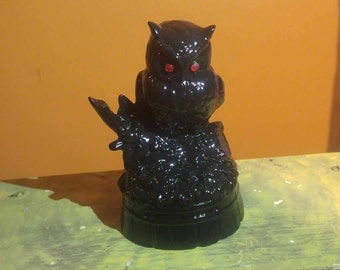 Halloween black owl spooky decoration statue