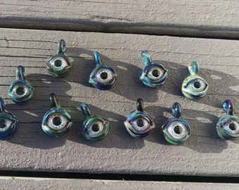 Glass uv eye pendants