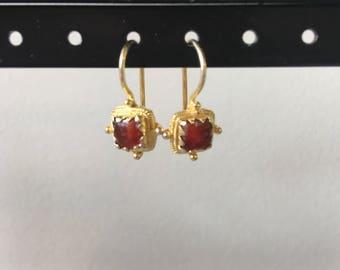 Mini carnelian and gold vermeil earring
