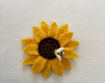 Felt sunflower brooch and bumble bee