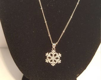 Snowflake magical necklace