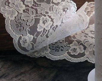 30 FT. Ivory Fabric Lace Scalloped Edge Cream Ribbon Romantic Gift Packaging Christmas Wholesale Ribbons Wedding Chic Country Rustic Barn