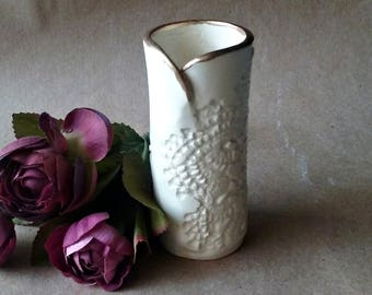 Ceramic  4 inch tall  flower bud vase lace OFF WHITE edged in gold