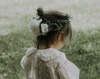 Flower girl crown, Ranunculus and greenery wreath, White flower girl crown, rose floral wreath, Photo Prop, Little girl headband, Boho