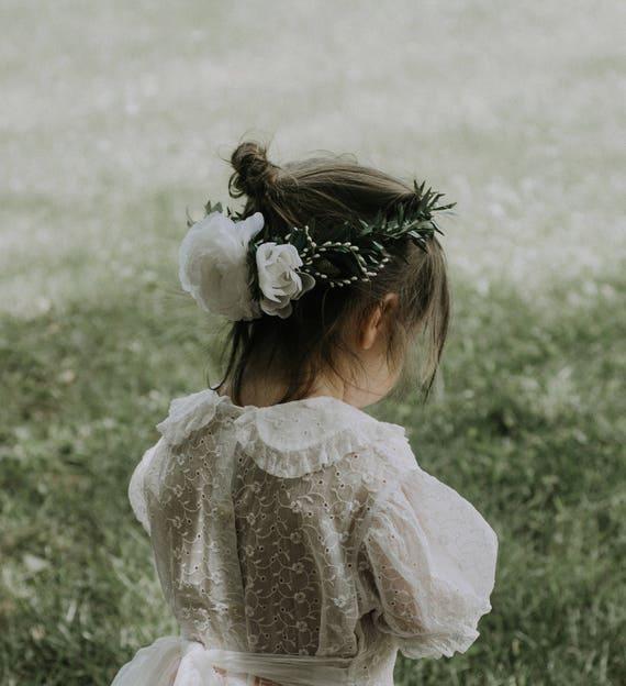 Flower girl crown, Ranunculus and greenery wreath, White flower girl crown, rose floral wreath, Photo Prop, Little girl headband, Boho