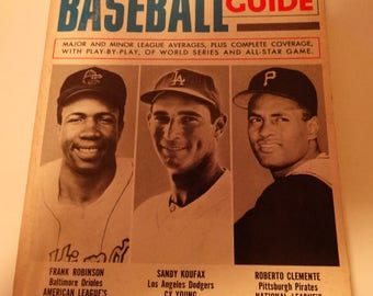 1967 Official Baseball Guide Book,ONE For the Book, Frank Robinson, Sandy Koufax, Roberto Clemente, 1966 National League Averages, All stars