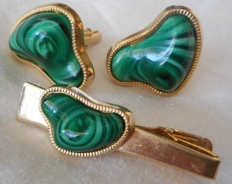 VINTAGE Signed Anson Faux Green Malacite Mens Cuff Links & Tie Bar Costume Jewelry Set