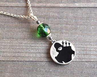 Green Arrow Necklace, Oliver Queen Necklace, Super Hero Necklace, Megacon Cosplay, Comic Book Jewelry, Green Arrow Silhouette Necklace