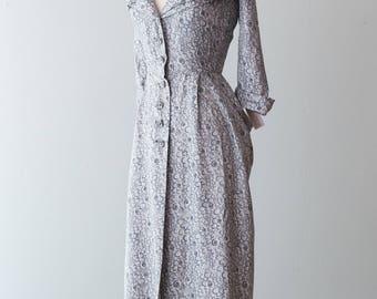 Vintage 1950s Dress - Fabulous Pale Gray Early 50s Silk Dress w/ Fantastic Bubble Floral Patten + Shawl Collar // Waist 28