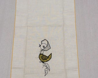 Vintage Towel Embroidered & Applique Girl Bird Carries Carrots MWT