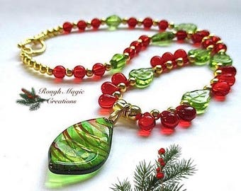 Holly & Ivy Christmas Pendant, Lampwork Leaf, Green Red Gold Beaded Necklace, Colorful Holiday Jewelry, Festive Statement Gift for Woman 103