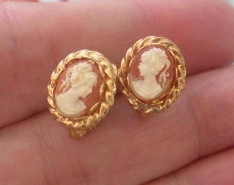 Vintage Faux Cameo CLIP on Earrings Gold Tone Metal Lovely Detailed Cameo Clip on Earrings
