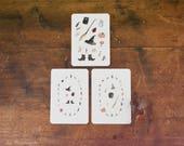 Cartoline Stregate. Cartoline acquerello originale con gli oggetti per la strega: libro delle ombre, calderone, cappello, stivali, scopa