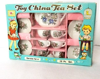 Toy China Tea Set in Box Service for 4 Made in Japan 13 Pieces Miniature Tea Sets