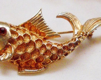 Coro Vintage Fish Pin with Red Rhinestone Eye