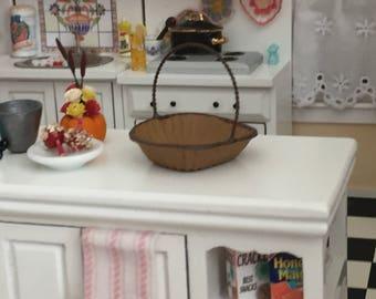 Miniature Basket, Wicker Look Painted Metal Basket, #968, Dollhouse Miniature, 1:12 Scale, Dollhouse Accessory, Crafts, Embellishment