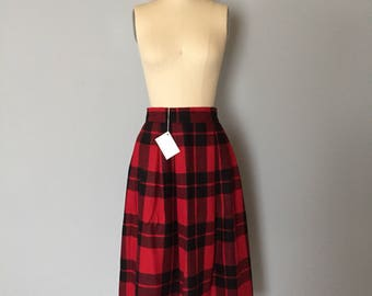 red tartan plaid midi skirt / flounce wool skirt / 1970s made in Canada / small