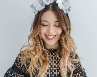 Silver Leather Flower Fascinator // leather flower crown headband / Metallic silver leather headpiece / leather spring racing fascinator