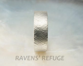 textured wedding band -- men's gold band -- hammered white gold wedding ring, 7mm wide, comfort fit mens band