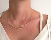 Dainty Curved Bar Necklac...