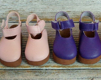 Four pair of shoes.  Fit Kaye Wiggs MSD