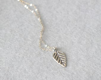 Delicate Silver Leaf Necklace with Sterling Silver Chain / Plant Jewelry, Modern Necklace / Birthday Gift, Gift Idea For Her, Gift For Mum