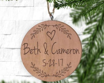 Wreath with Names Ornament, Personalized Ornament, Engraved Wooden Gift Tag, Engraved Wooden Christmas Ornament