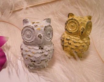 Cabinet Drawer Pull Knob / Owl / Nusery Decor / Cottage and Shabby / Yellow or White // Rustic Chippy // Unique / Handles Cabinet Knobs
