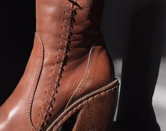 HEX Italian Leather Whipstitch Pointed Platform Boots Vtg 70s Cognac Brown Patchwork Wooden Chunky Heeled Hippie Booties - 7.5 US/37.5 EU
