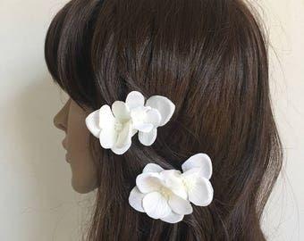 Ivory White flower hair clips - wedding - bride - flower girl - vintage - boho