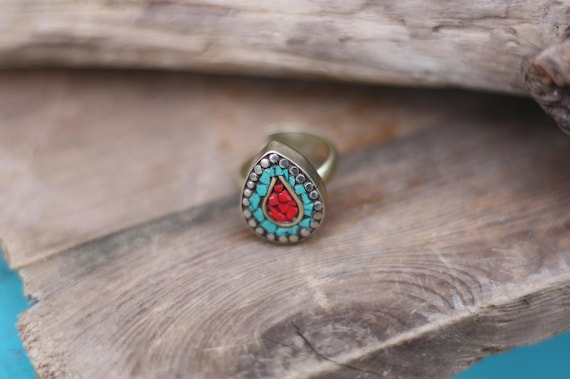 TURQUOISE & CORAL RING - Vintage ring - Handmade - Bespoke - Gemstone Ring - Mosaic - Gift - One size fits all - Tibetan - Moroccan