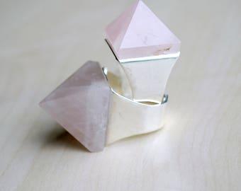 Rose Quartz Pyramid Ring -- Quartz Crystal -- Pink Quartz -- Statement Ring -- Stone Pyramid -- Pyramid Ring -- Boho Chic -- Crystal Ring