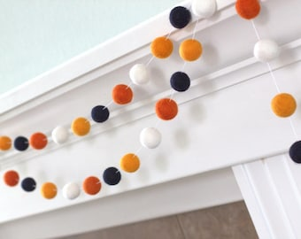 Halloween Felt Ball Garland- Black Orange & White- Pom Pom- Nursery- Holiday- Wedding- Party- Childrens Room