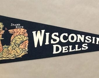 Vintage 'Wisconsin Dells Stand Rock', WI USA Travel Pennant
