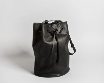 Bucket Bag Otame black