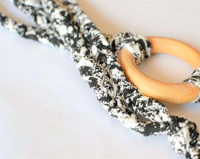 Black and White Tug & Pull Teething Tassel Necklace | Black and White Macrame Teething Necklace