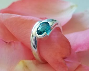 Sterling Silver Ring with Bright Blue Oval Stone (st - 2041)