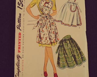 4825 Simplicity Pattern Apron Pattern One Small Pattern for Sewing.  Unused