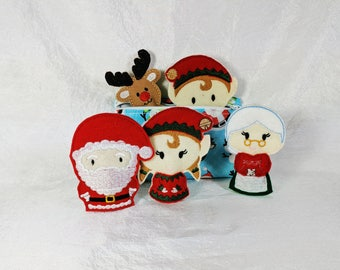 Christmas Finger Puppet Set -  5 Finger Puppets & Zipper Bag - Santa - Mrs Claus - Reindeer - Girl and Boy Elf - Toddler Gift