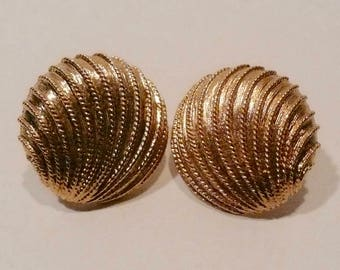 Vintage Napier Gold Tone Clip On Earrings