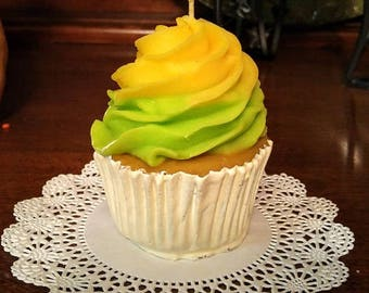 Mountain Dew Cupcake Candles that look good enough to eat!