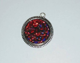 X 1 red resin cabochon pendant
